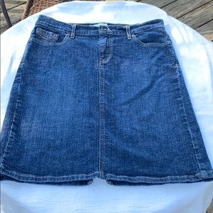 Levi's Perfectly Slimming Jean Skirt Size 12 EUC